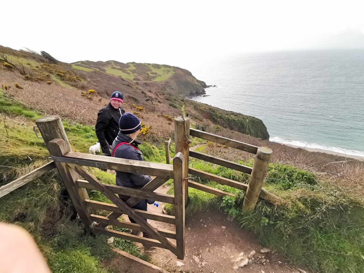 Lantic Bay Walk Forver Cornwall 00005