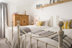 Forever Cornwall Artisan Cottage St Ives Twin Bedroom