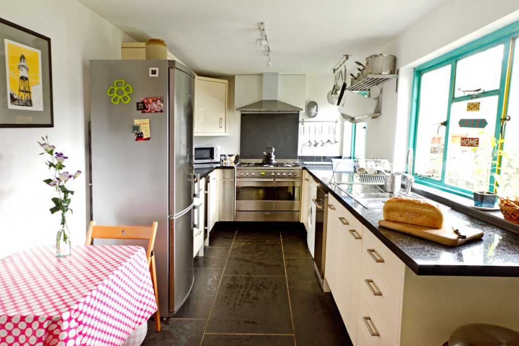 Forever Cornwall Kiln Cottage Newlyn Kitchen
