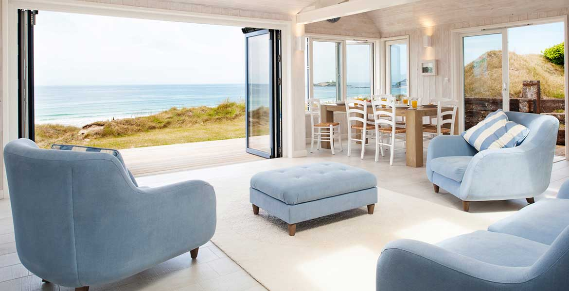 Luxury holiday homes in cornwall forever cornwall for Modern house holiday lets