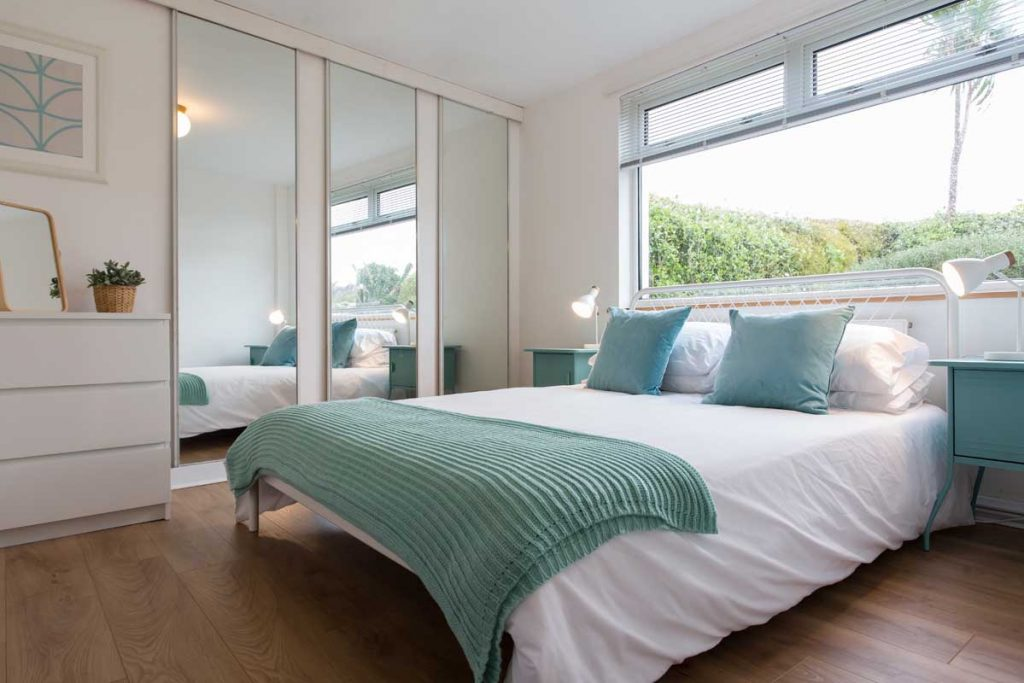 Bedroom of holiday accommodation in Mawgan Porth - Fourburrows from Forever Cornwall