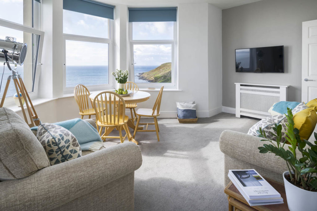 Dog friendly apartment Coverack - Epic View by Forever Cornwall